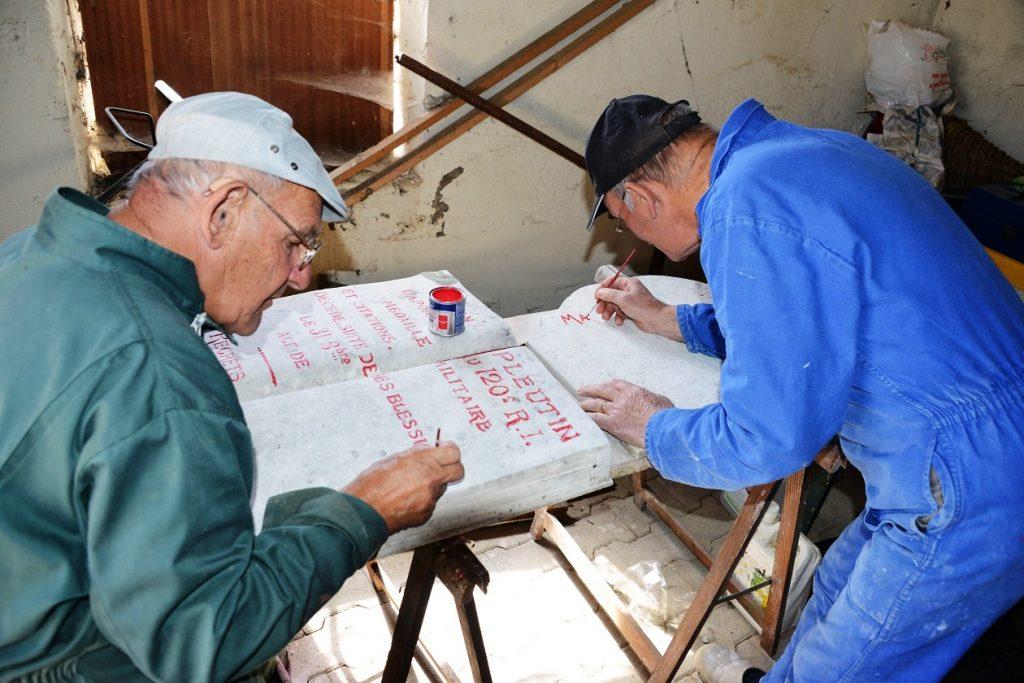 Rénovation plaque Pleutin à Stenay