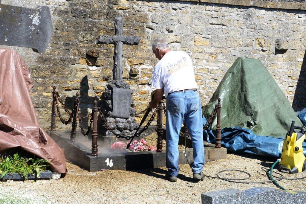 Rénovation tombe Gabriel Maurice à Stenay