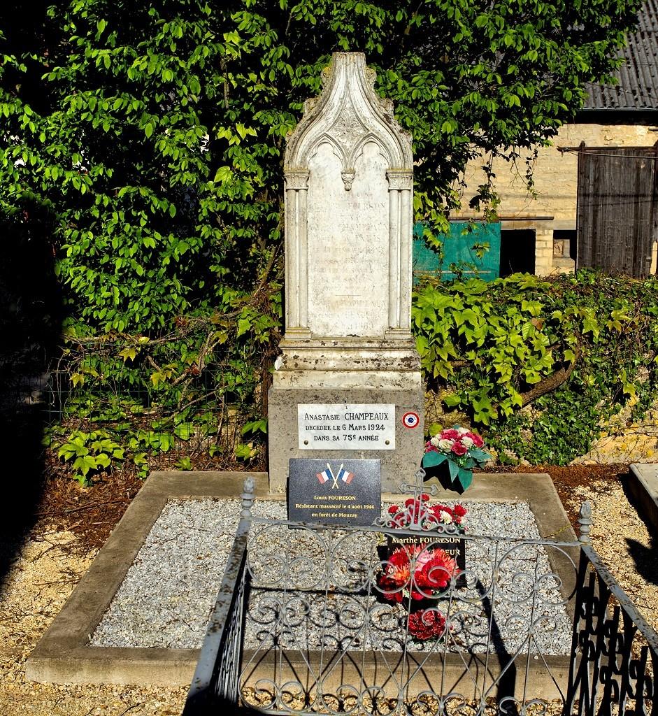 Tombe Louis Foureson à Beaufort-en-Argonne