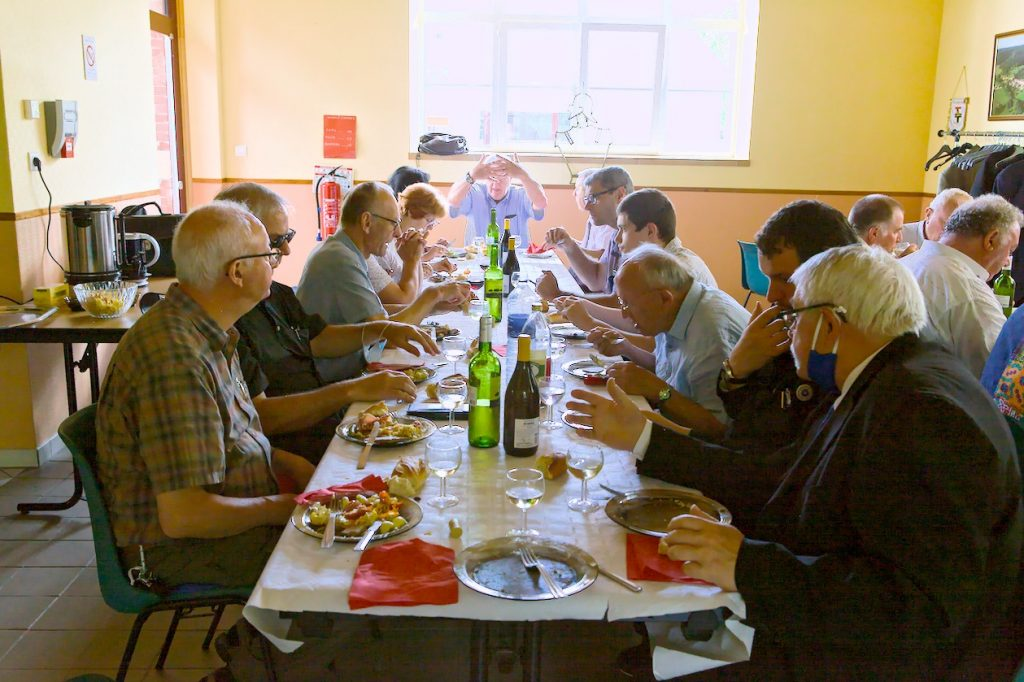 Repas pris en commun aux Eparges
