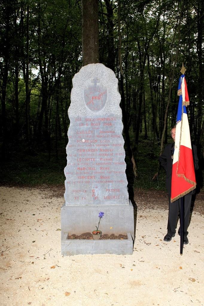 Monument des maquisards à Mouzay
